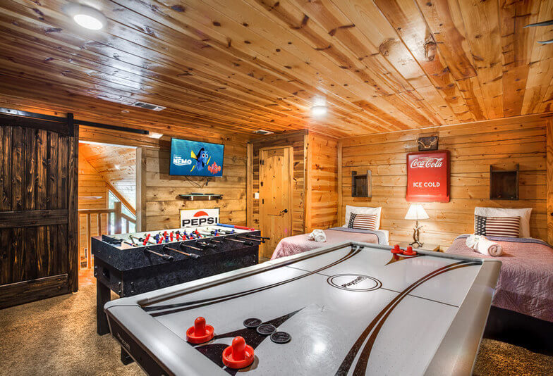 3 Bedroom Cabin with Game Room
