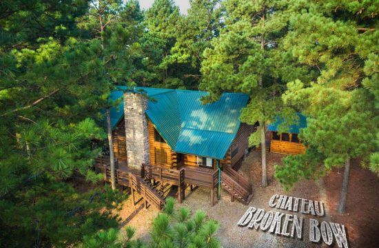 Chateau Broken Bow – 3 Bedroom Cabin Drone View