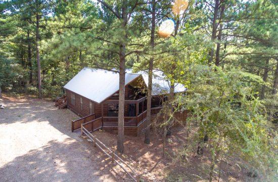 Bungalow Broken Bow - 2 Bedroom Cabin Drone View