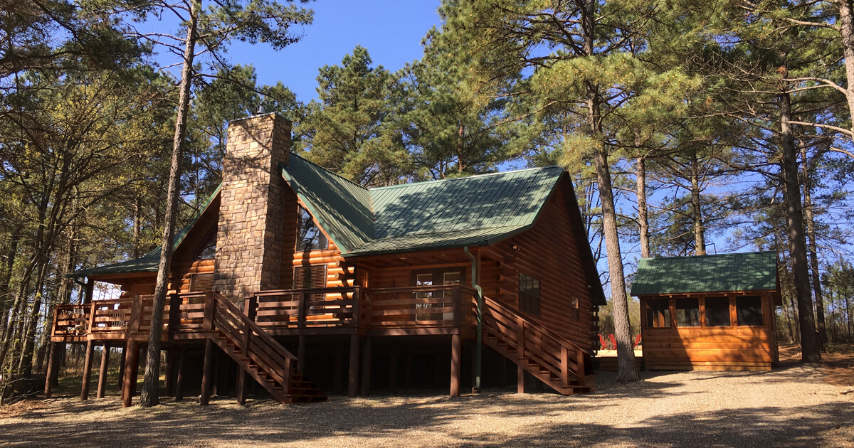 Chateau Broken Bow – 3 Bedroom Cabin with game loft, 8 to 10 guests.
